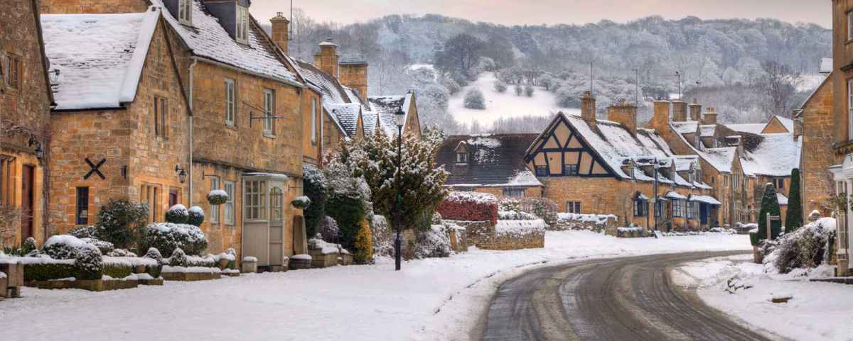 Christmas Hotels In Cotswolds 2020 The Crown and Trumpet Inn: Christmas In The Cotswolds 2019 2020